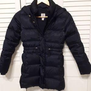Girls Gap winter coat. 75% down. Navy. Size 8